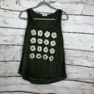 Maurices daisy scoop neck daisy graphic tank top